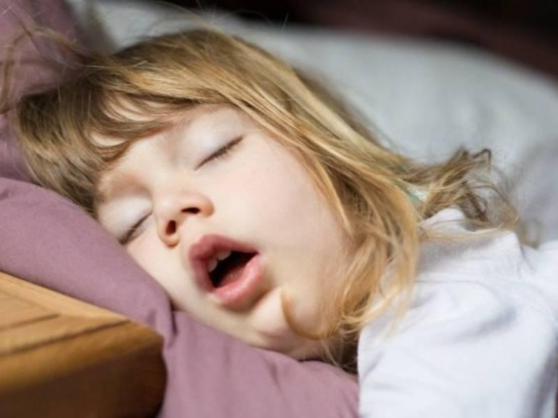 Quando il bambino respira con la bocca aperta